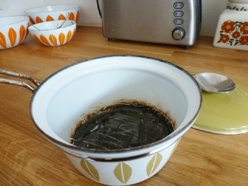 Копоть и жир на вытяжке убирается в два счета! И еще 10 лайфхаков для безупречно чистой кухни