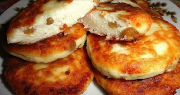 Быстрый и очень вкусный рецепт сырников с изюмом. Их вкус вы не забудете никогда, а дети попросят добавки. Нежные сырники с изюмом —это вкусный, полезный завтрак и сытный ужин.