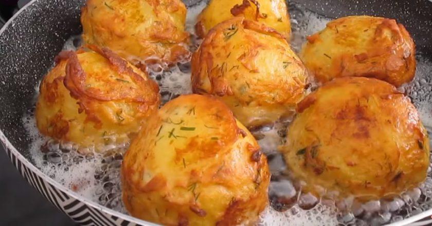 Картофель, приготовленный в сметанном кляре, — настоящий деликатес