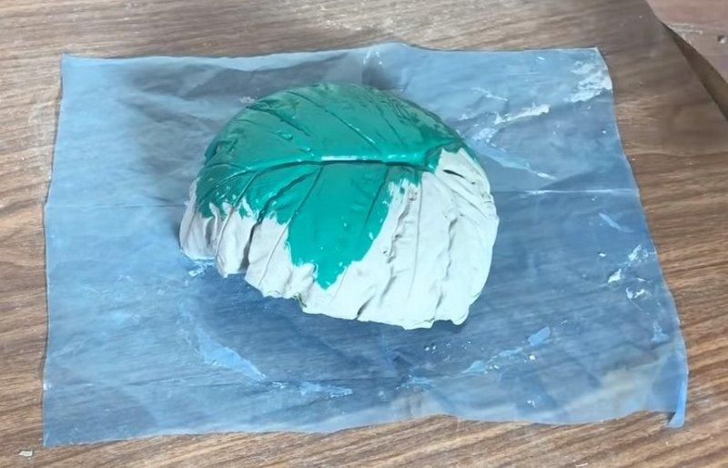 Зачем в преддверии весны заливать туалетную бумагу бетоном