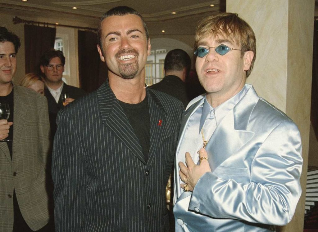 Потрясающий певец Джордж Майкл тайно тратил миллионы на благотворительность