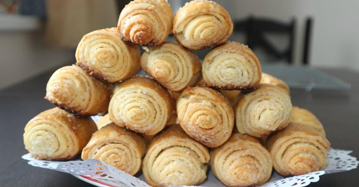 Как приготовить хрустящие сахарные булочки: всего 4 ингредиента