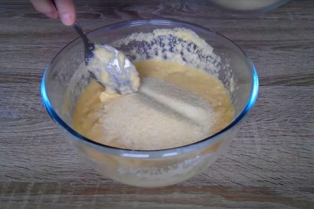 Рассыпчатое печенье на манке и как напечь его на неделю вперед