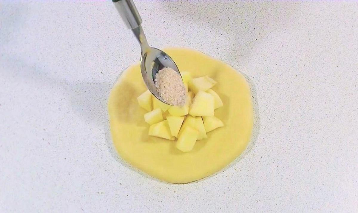 Рецепт яблочного пирога «Цветок». Более нежного я не пробовала.