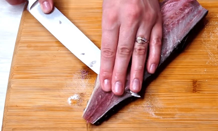 Скумбрия по секретному рецепту: всегда удается и буквально сметается со стола