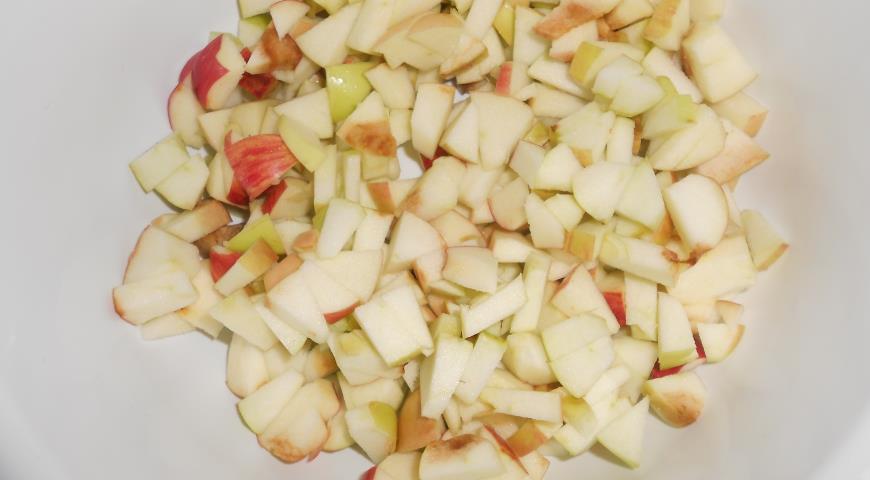 Яблочная шарлотка с медом