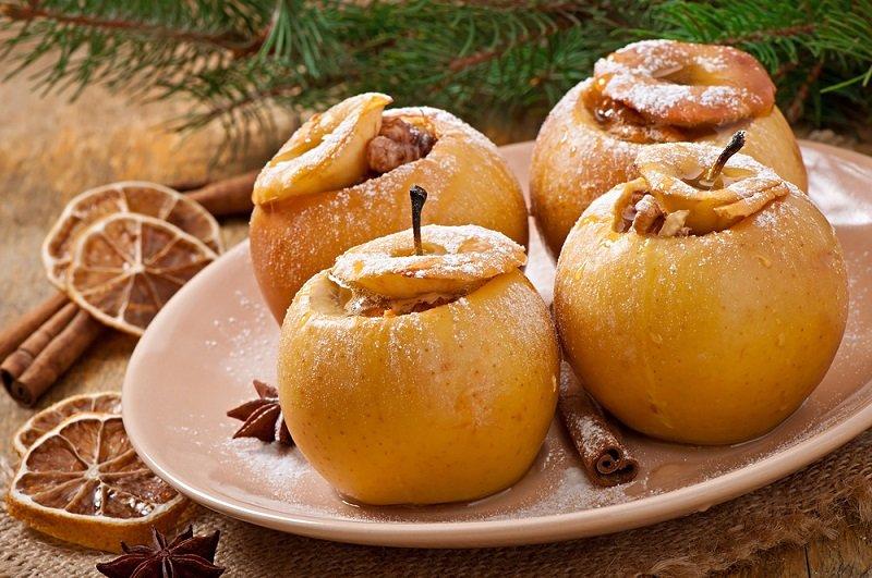 Влажная яблочная шарлотка от профессионального кондитера
