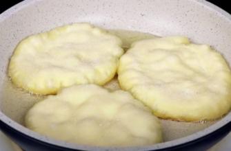 Лепешки на сковороде, которым не требуется мяса, чтобы быть вкусными