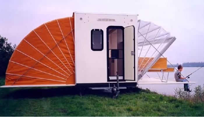 Фургон-«гармошка», который увеличивается в 3 раза, и в нем помещается полноценный дом