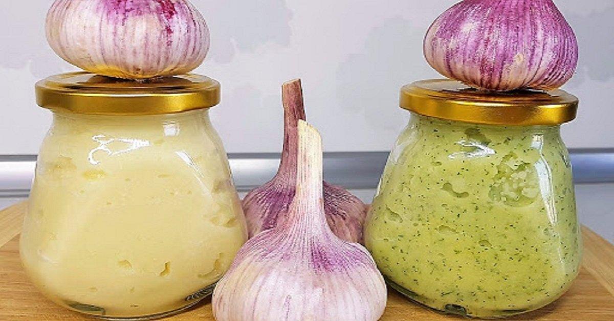 Два рецепта чесночной пасты на зиму: ароматная заготовка для гурманов