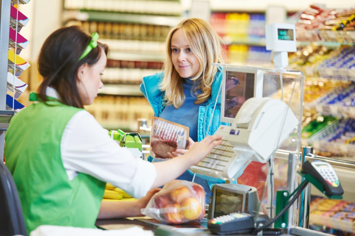 Почему нужно забирать чек после покупок на кассе