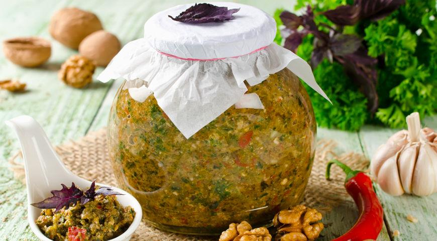 7 проверенных рецептов аджики на зиму из Абхазии, Киева и со всей России