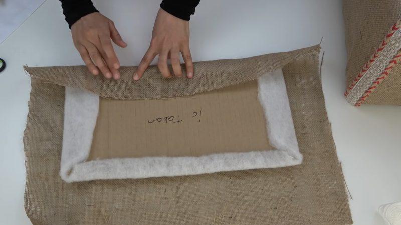 Мешковина + пластмассовый ящик: практичная идея, отличный результат
