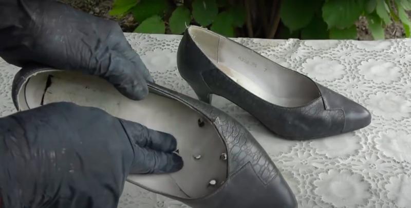 Не выкидывайте старые туфли, а сделайте креативную поделку для декора