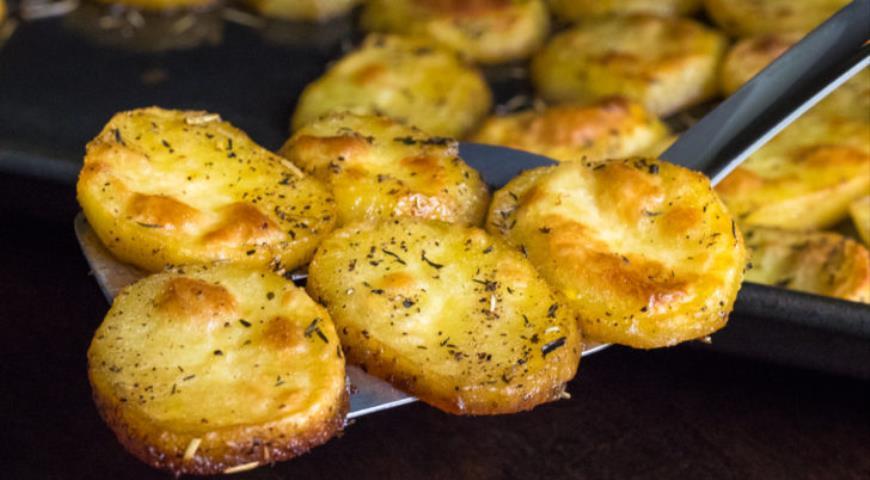 Как превратить картофель, просто запечённый в духовке и тающий во рту