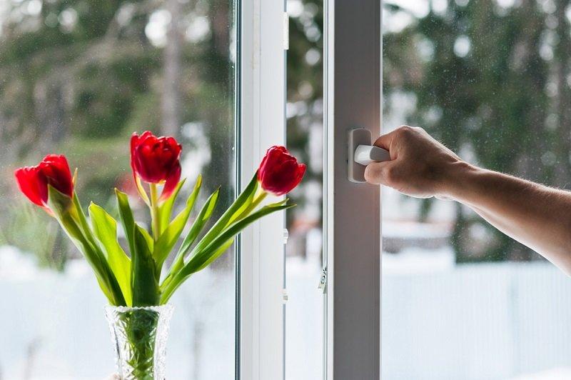 Что делать, если плохо закрывается пластиковое окно