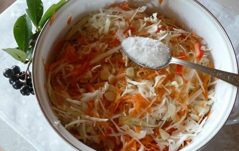 Как правильно квасить капусту: в собственном соку и без добавления рассола! Простой способ.