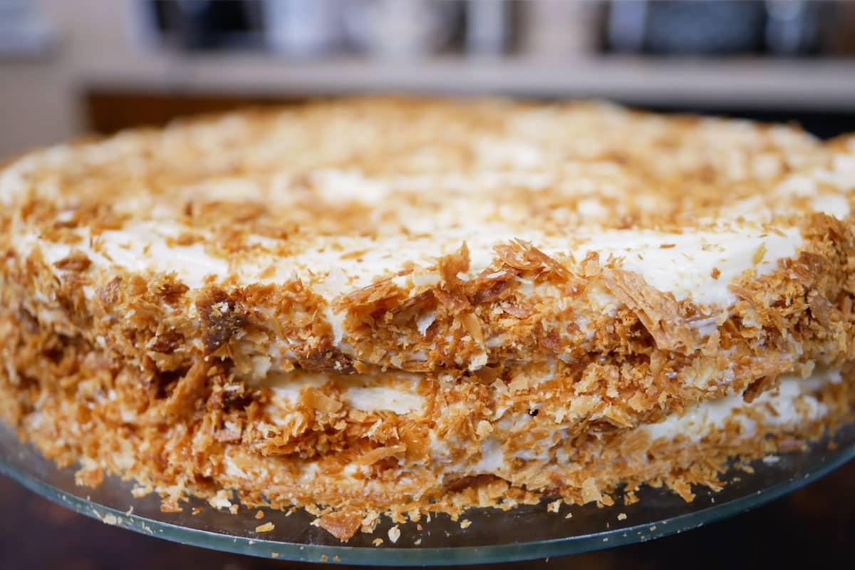Торт «Наполеон» из вытяжного теста по рецепту ловкой цыганки