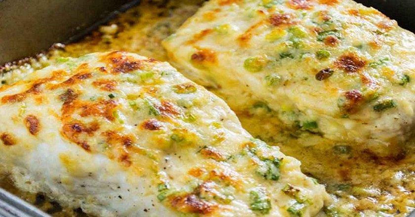 Рецепт рыбы, которую можно есть без гарнира: сочная и ароматная. Готовится быстро, а съедается еще быстрее.