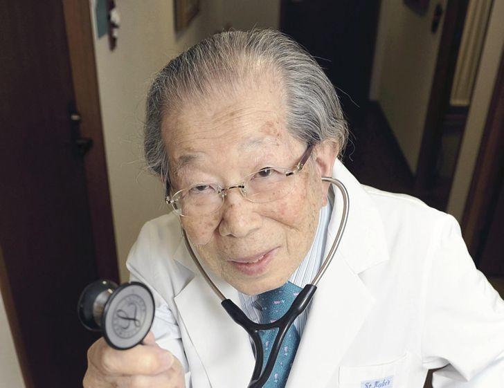 Как дожить до 105 лет? Советы японского врача, который работал до самой смерти.
