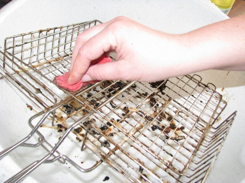 Зачем насыпать немного соды в грязноватый унитаз
