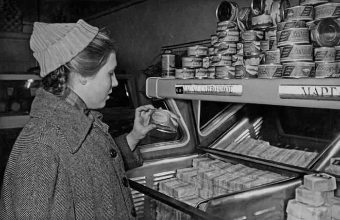 Почему на товарах советского производства выбивали их цену