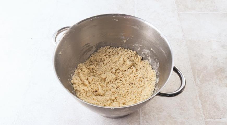 Нежное рассыпчатое песочное печенье с шоколадом