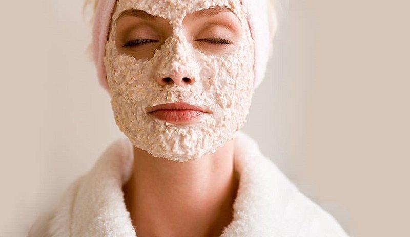 Бархатная кожа без тонального крема и пудры! Намочи крупу под краном и просто протри лицо.