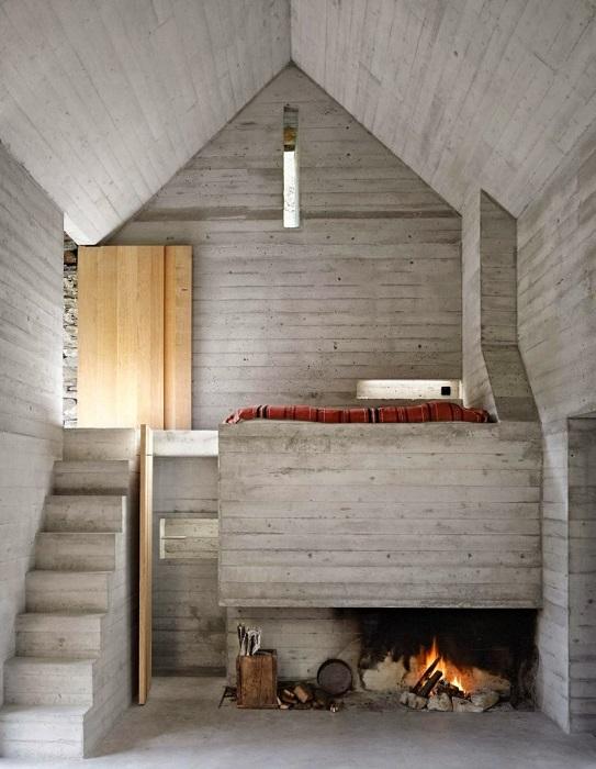 Дом, который выглядит как хижина, сбивает с ног своим интерьером