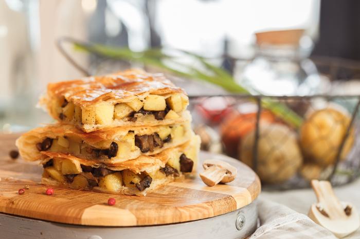 7 вкуснейших пирогов, которые не стыдно подать к праздничному столу