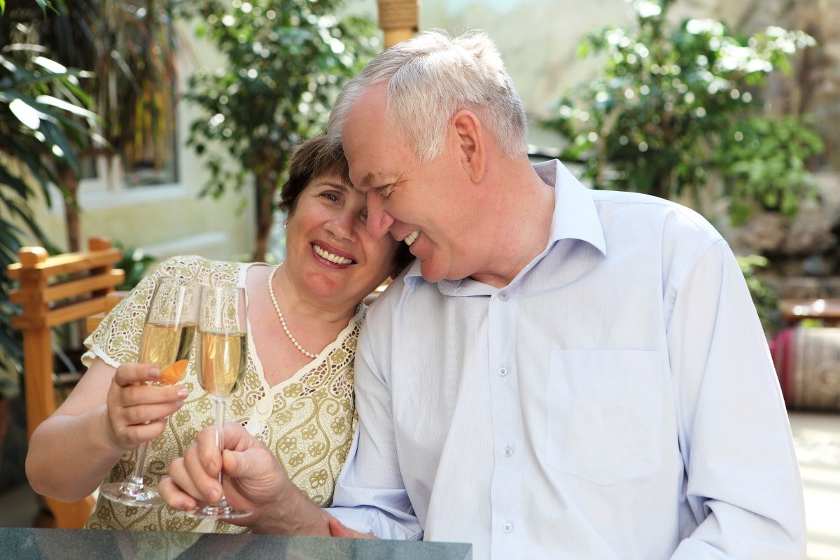 Почему после пятидесяти следует отказаться от гостей в доме