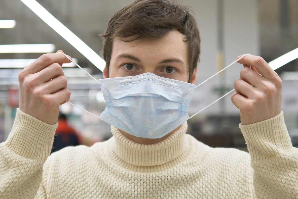 Одна из вакцин против коронавируса показала эффективность 90 %
