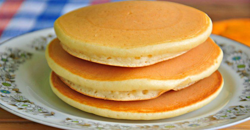 Медовые панкейки: диетический рецепт вкусного завтрака. Всего 317 калорий!