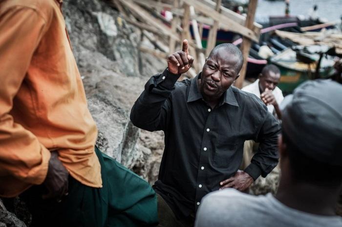 «Резиновый» остров в Африке: почему многие хотят жить на самой густонаселенной территории в мире