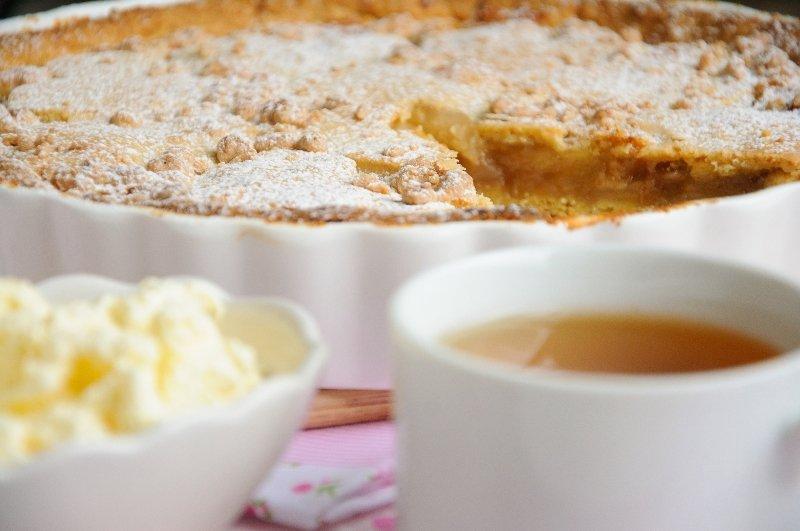 Рецепт насыпного яблочного пирога с манкой