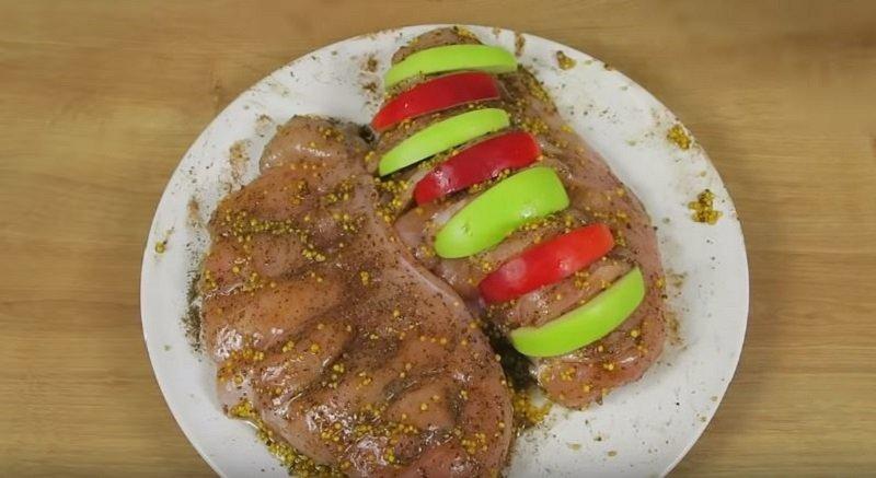 Искусство запекания курицы с яблоками