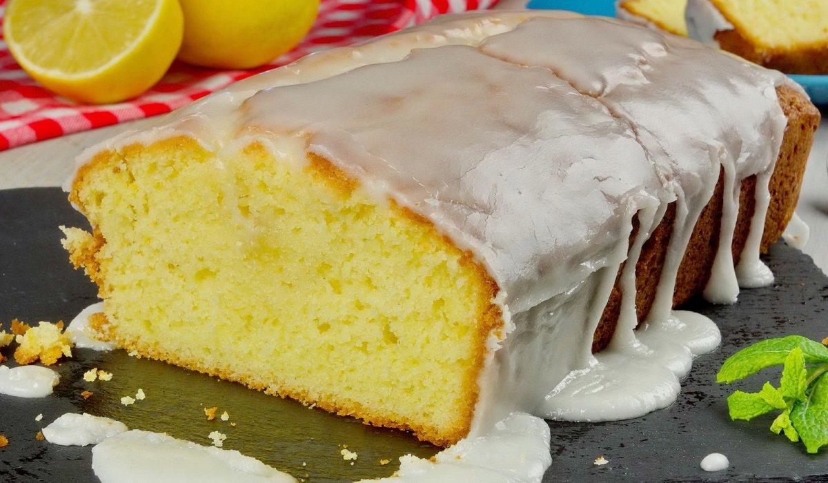 Лимонный пирог на кефире: как порадовать семью на скорую руку
