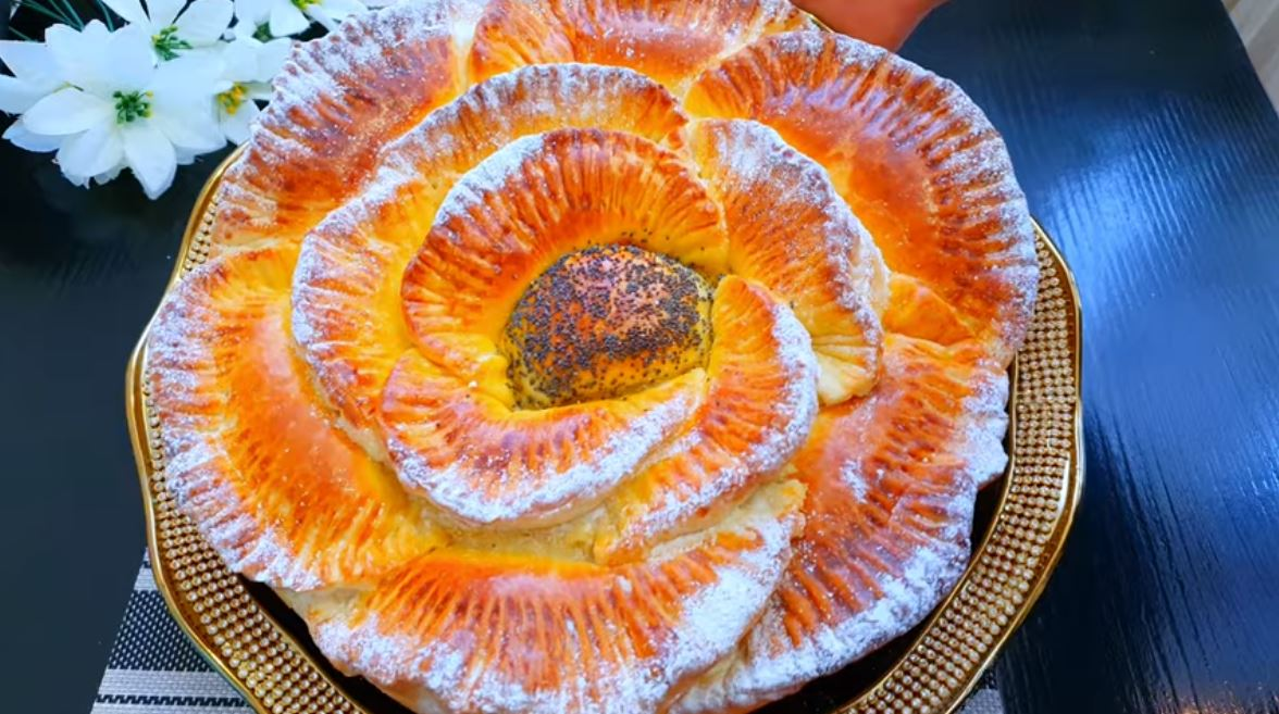 """Изумительный пирог """"Королевская роза"""". Мои гости потеряли дар речи и даже побоялись его резать!"""