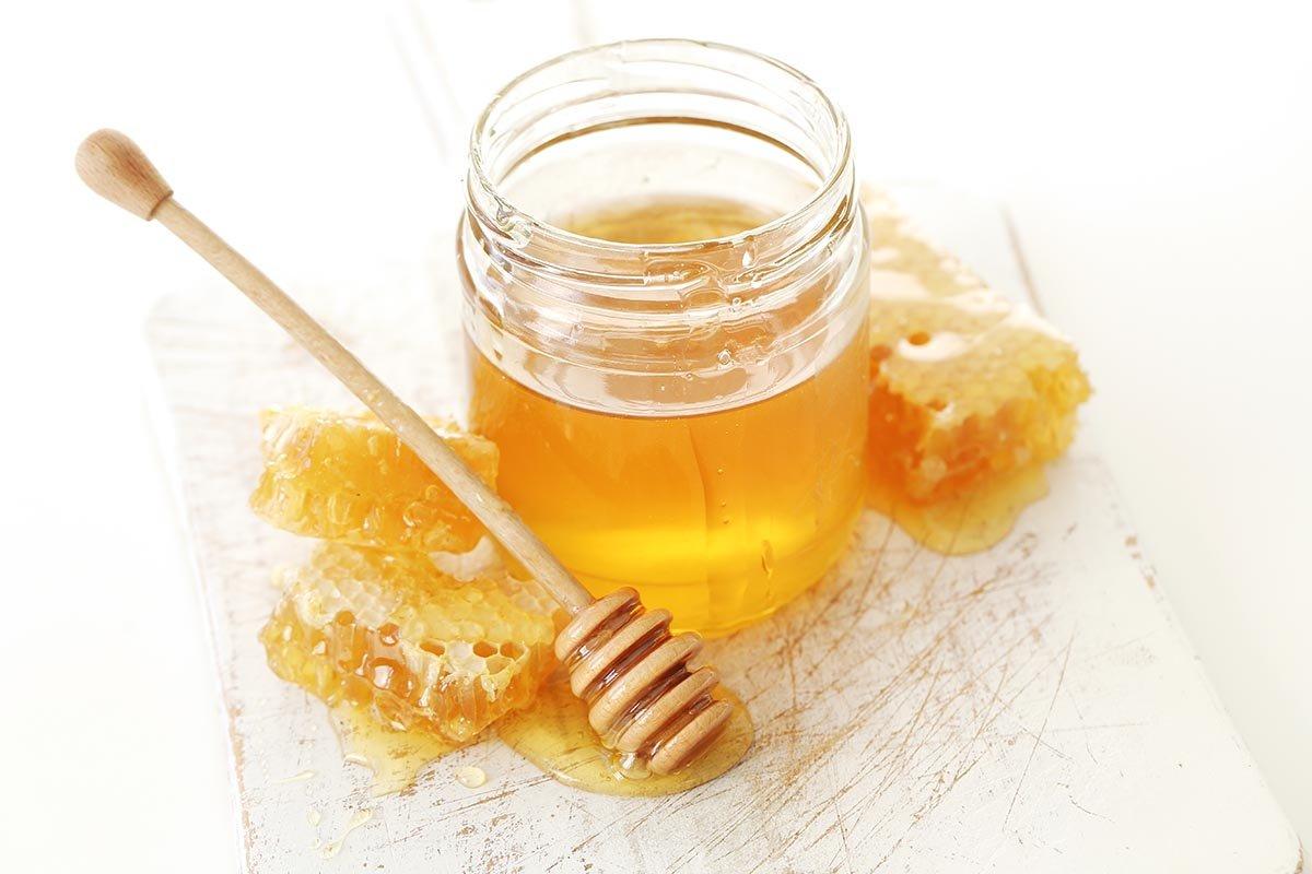 Случаи, когда банка мёда в кухонном шкафу заменит нервы в очереди к семейному