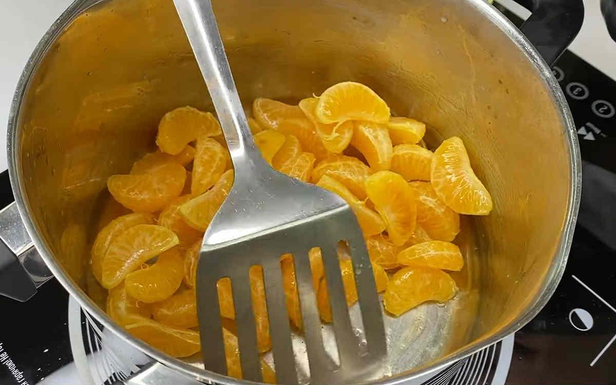 Праздничный творожный торт с мандаринами без выпечки