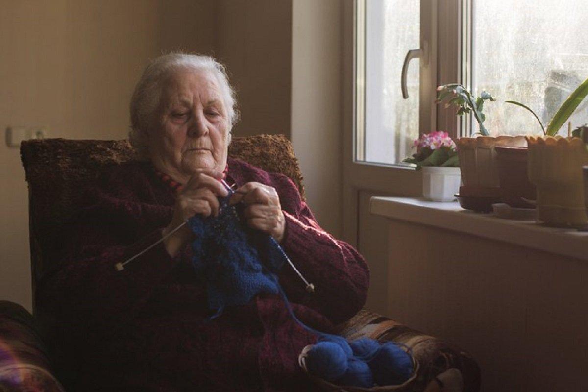 Пожилая мать и почему я теперь жалею, что забрал ее к нам