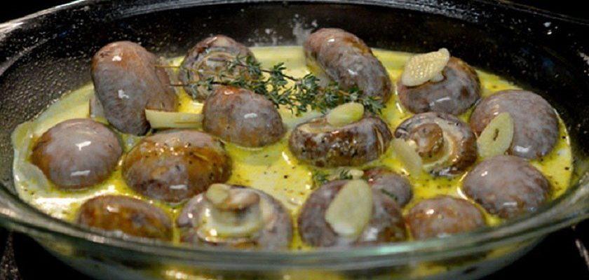 Как приготовить шампиньоны в сливочном соусе: изысканное блюдо!