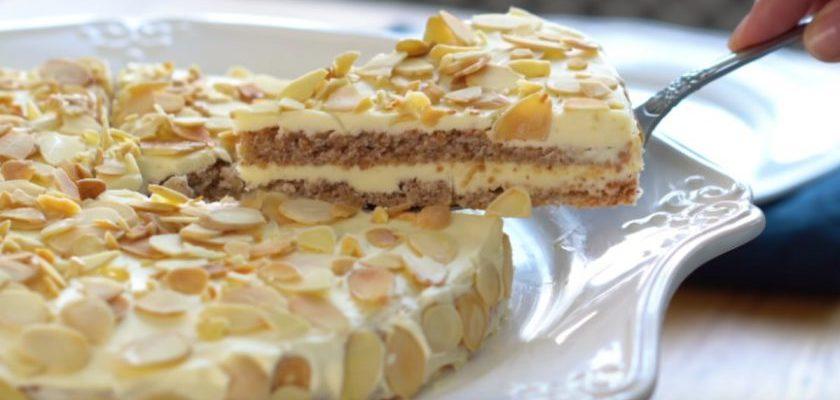 Как приготовить популярный миндальный торт дома