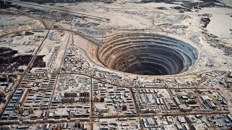 Насколько глубоко люди смогли бурить Землю: фото Кольской скважины