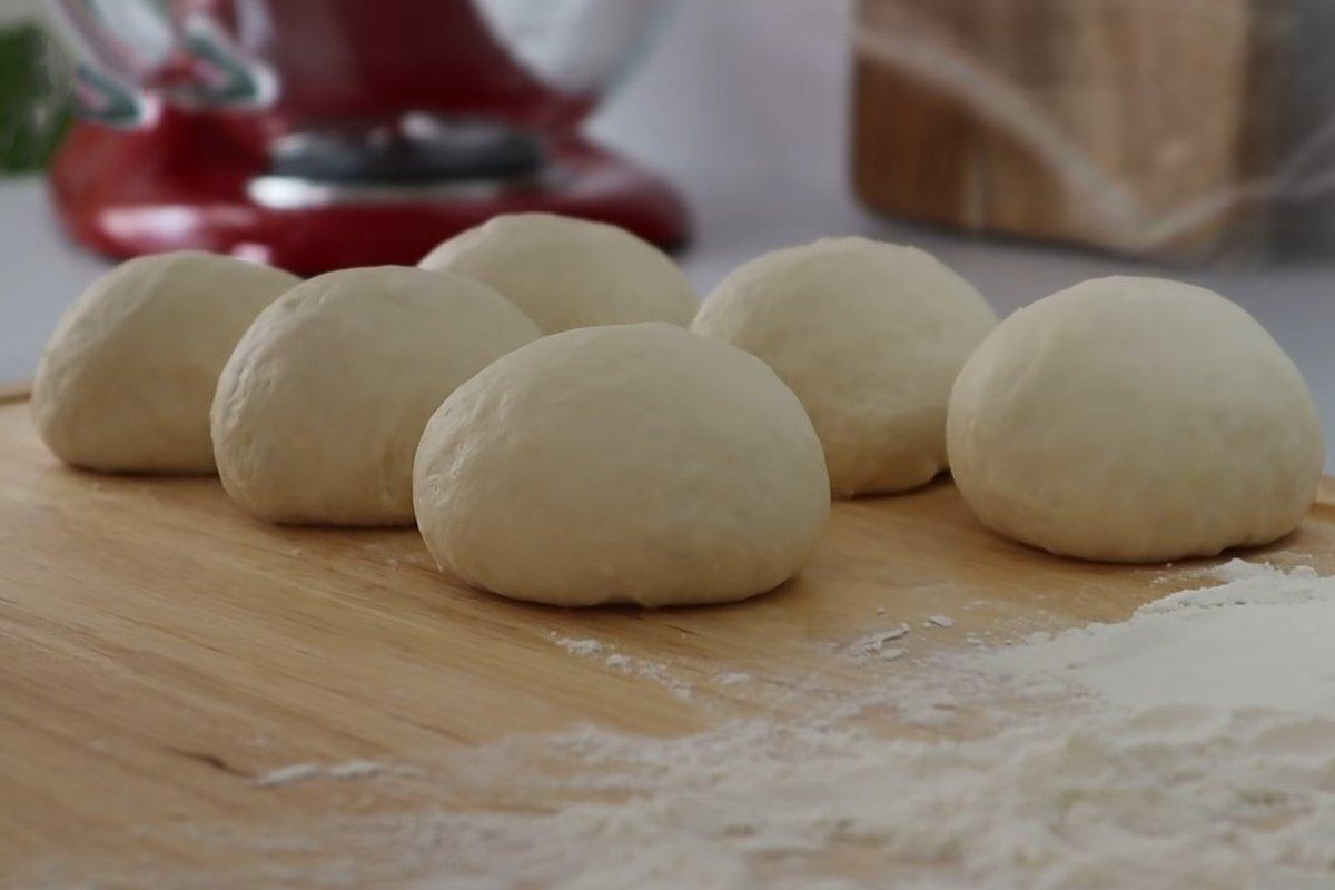 Хлеб без замеса, который родственники сметают до крошки