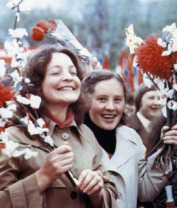 Почему ты никогда не видела пышнотелого советского человека