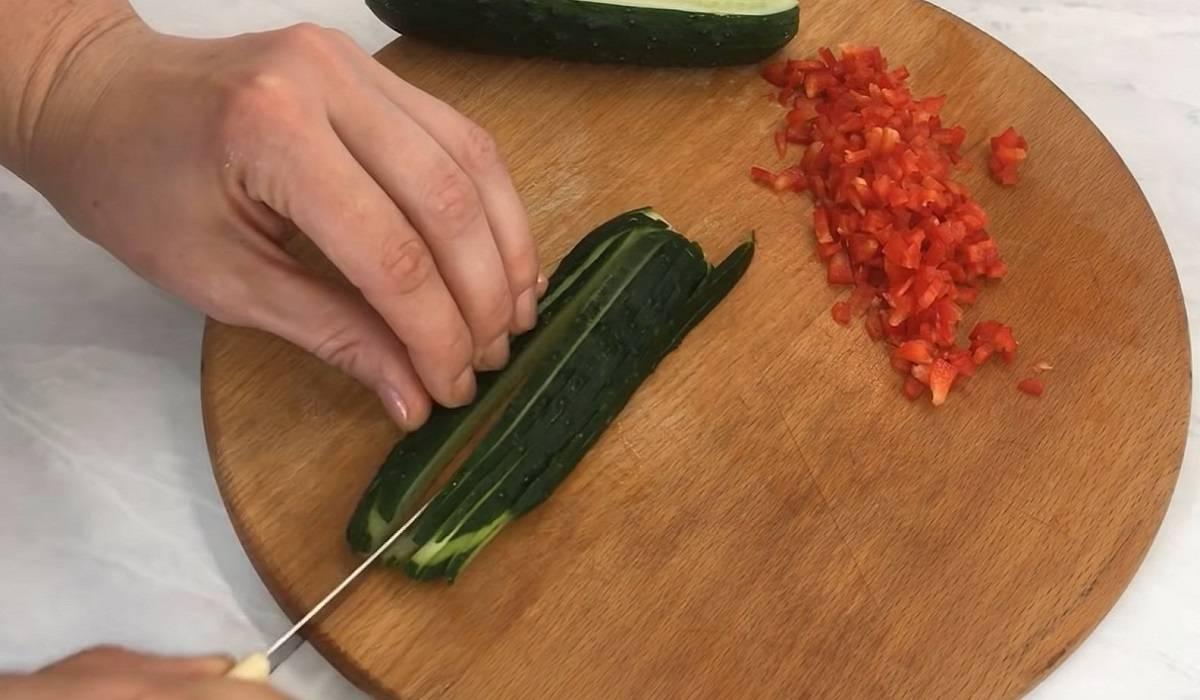 Пара помидоров и 5 минут — нарядная закуска готова!
