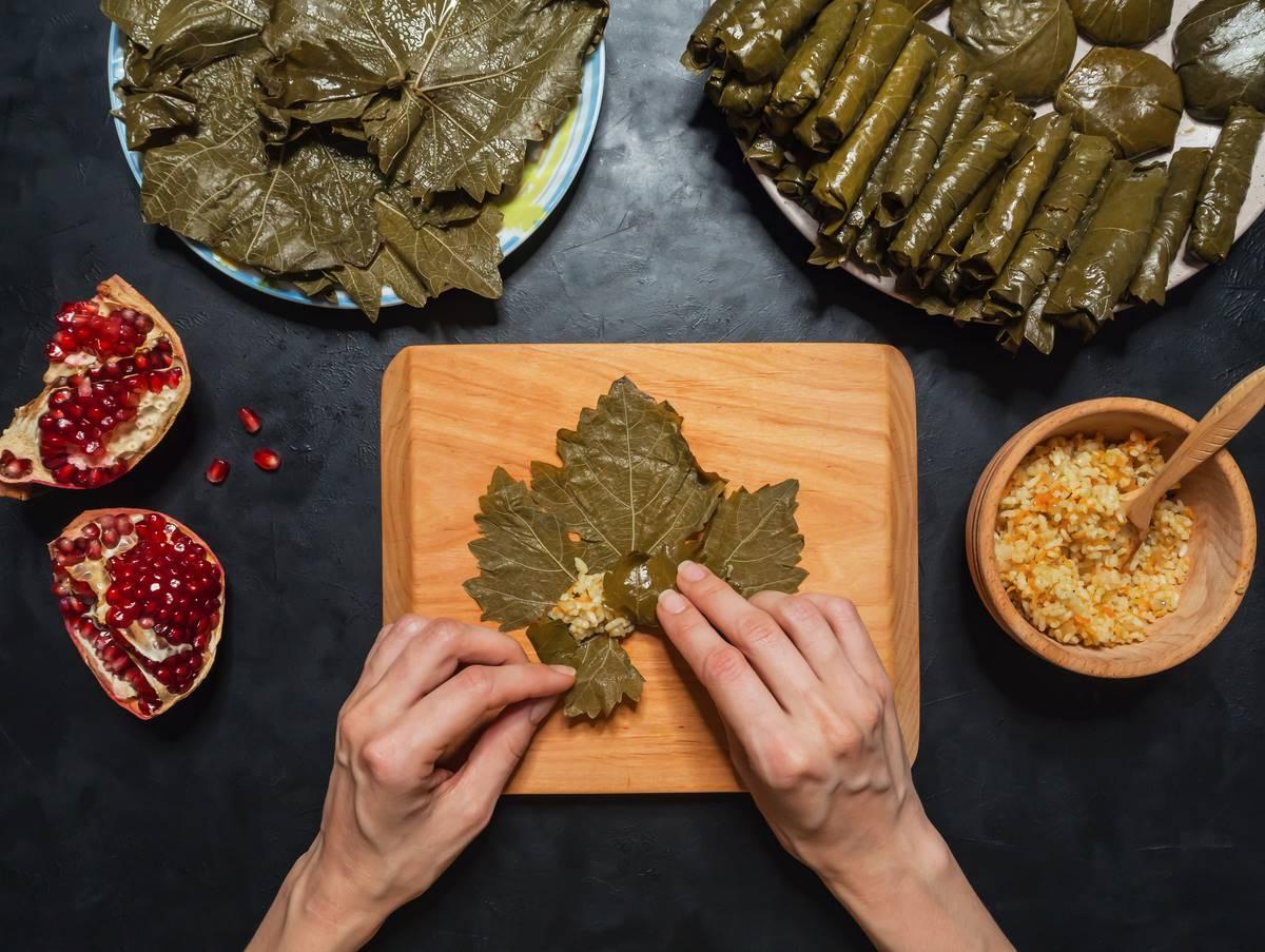 Азербайджанская долма из виноградных листьев